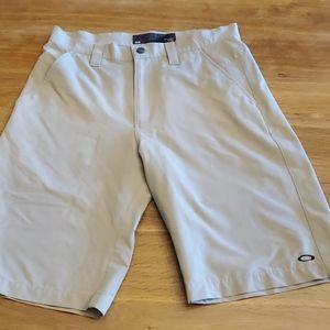 Men's shorts Oakley  size 32 waist